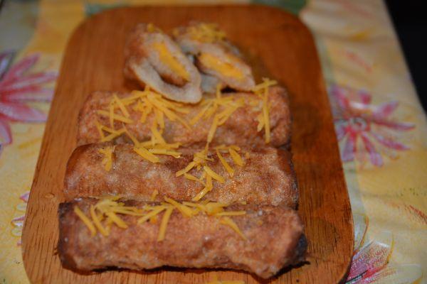 Bundás sajtos tekercs reggelire